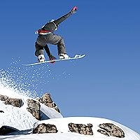 Complejo Turístico para Esquiar Afectado por Fuego Reabre sus Puertas para Navidad